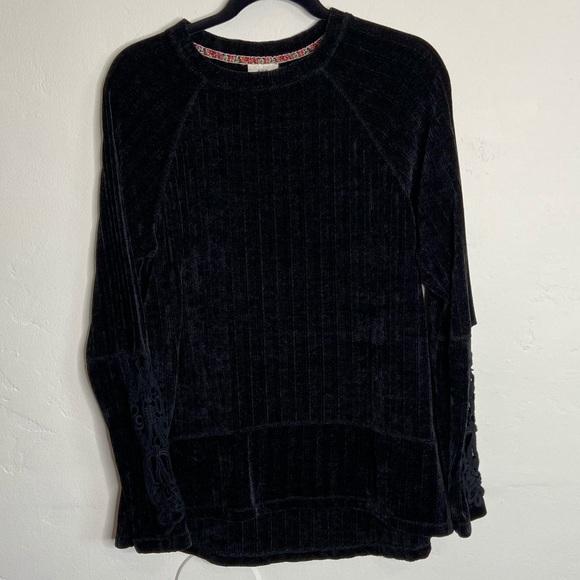 Knox Rose Black Chenille Crochet Sleeve Sweater
